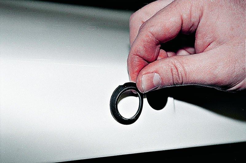 уплотнительное кольцо замка багажника ваз 2107