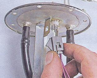 не работает датчик уровня топлива Ваз 2107