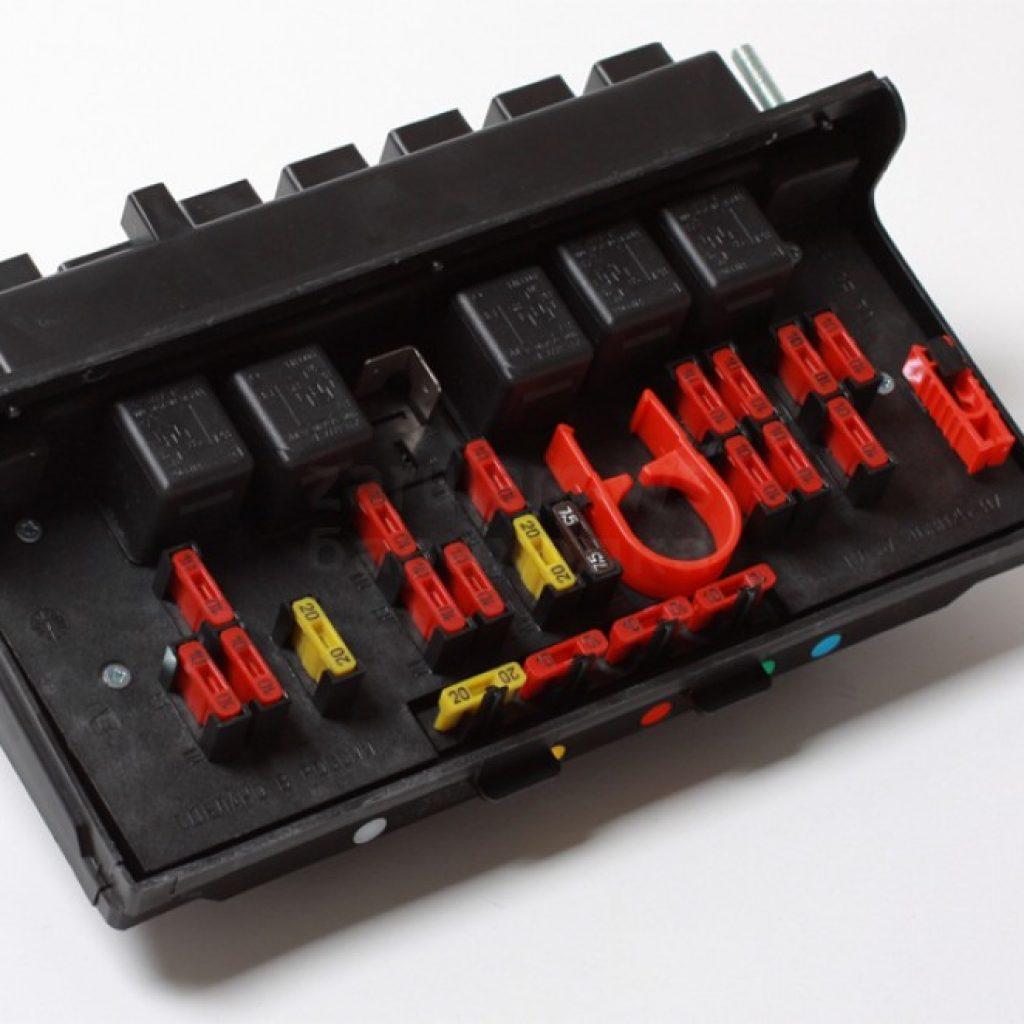 Электросхема ВАЗ 2107 21074 инжектор с описанием: проводка