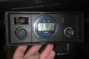 Цифровые часы на Ваз 2107