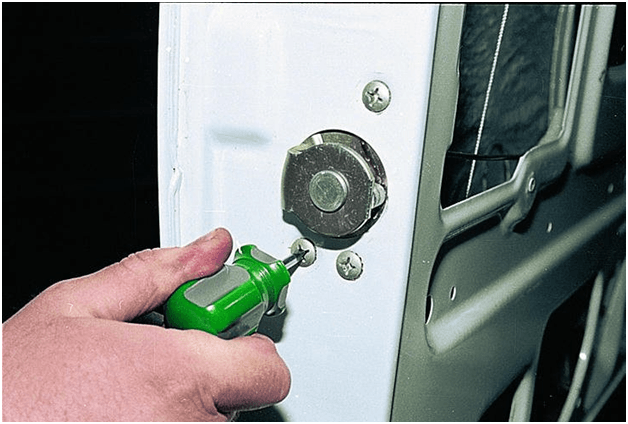 Регулировка дверей ВАЗ 2107 ремонт и замена замков как снять карту инструкции с фото и видео